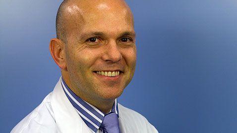 Dr. Gonzalo Mora Gasque